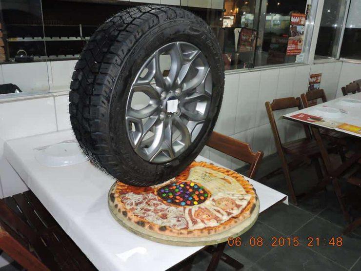 פיצה בברזיל צמיג רכב