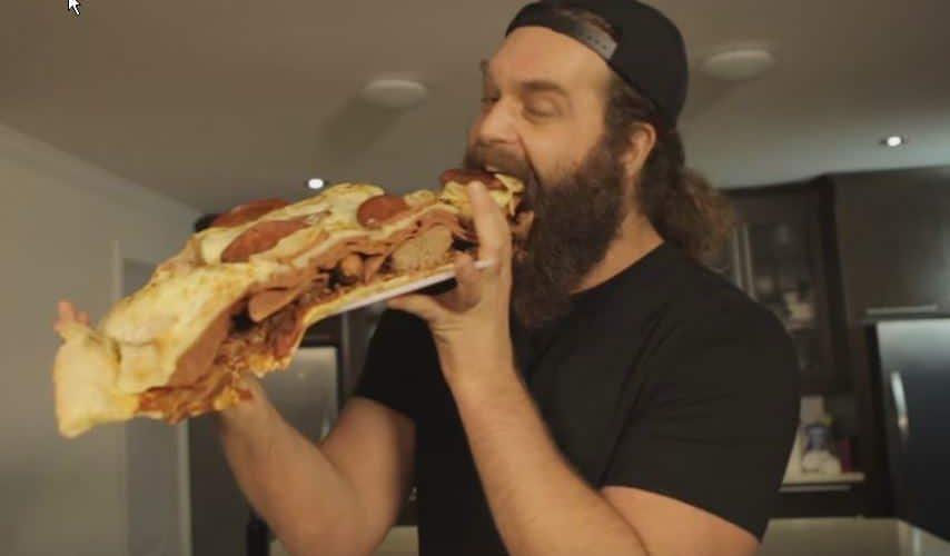 פיצה ענקית