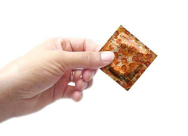 קונדום בטעם פיצה
